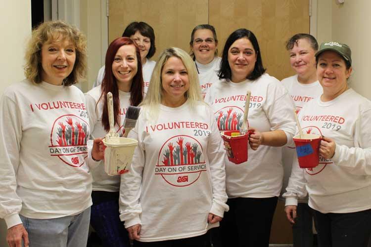 ASI employees volunteering