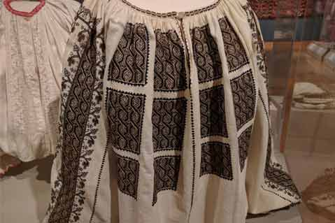 Ukrainian Museum Displays Traditional Embroidery, Textile