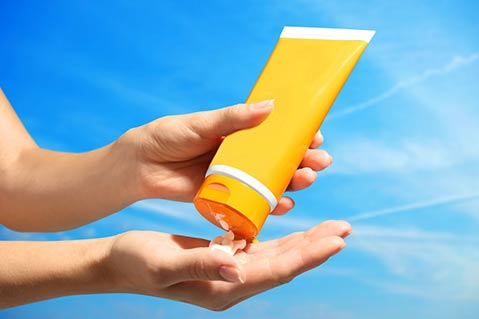 Hawaii Bans Certain Types of Sunscreens
