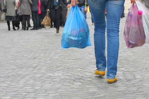 Montreal Considers Single-Use Plastic Bag Ban